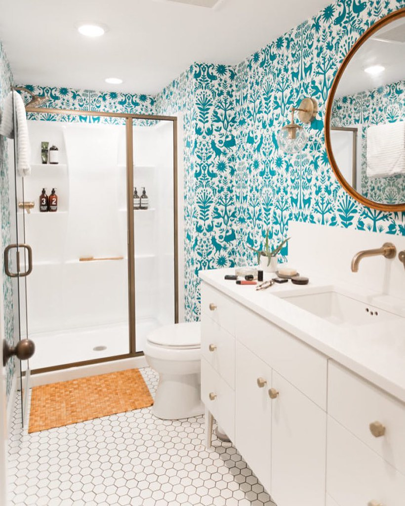 Bathroom with bold patterned walls; MGSD interior decorating tips